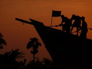 Teamwork on ship, Bangladesh, Flickr - joiseyshowaa